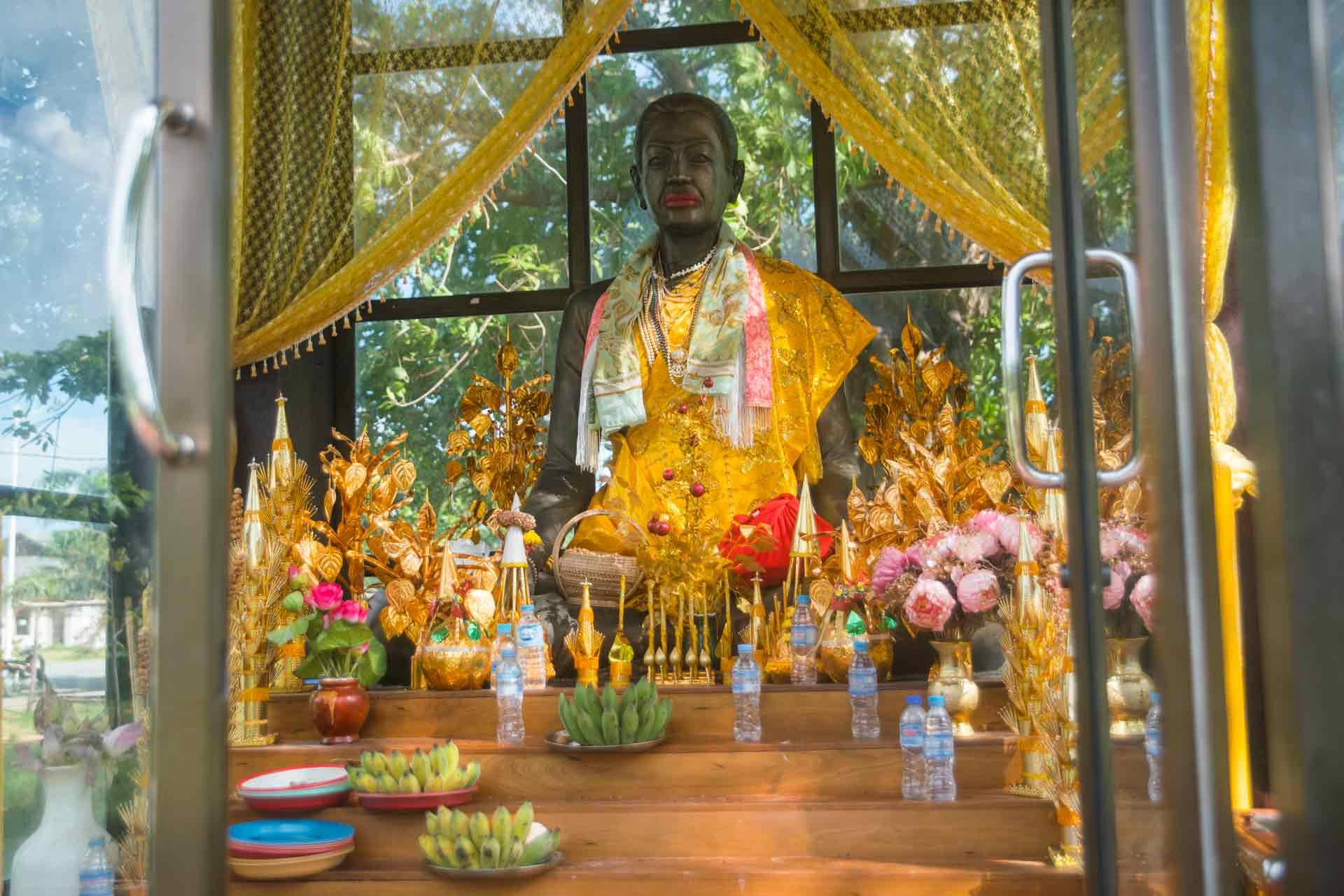 temple cambodia kep